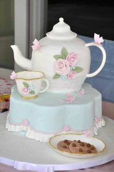 best tea party cake ever! parties by The Pink Peach - cake by Slice Gorgeous Cakes, Pretty Cakes, Amazing Cakes, Fondant Cakes, Cupcake Cakes, Bolo Fack, Teapot Cake, Peach Cake, Mothers Day Cake