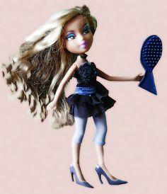 Bratz Doll- i stab you with my shoe!