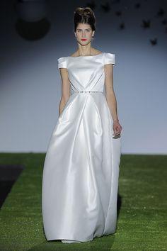 Vestidos de noiva de Miquel Suay 2014. #casamento #vestidodenoiva