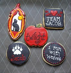 Some inspiration for my Twilight Friends!  I alternated between Team Jacob & Team Edward.