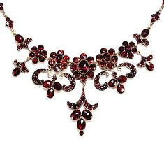 nice Dramatic Antique Garnet Necklace