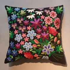 Tusenblomster, broderikit by Svensk Hemslöjd Jacobean Embroidery, Wool Embroidery, Embroidery Motifs, Wool Applique, Hand Embroidery Designs, Cross Stitch Embroidery, Scandinavian Embroidery, Swedish Embroidery, Wool Quilts
