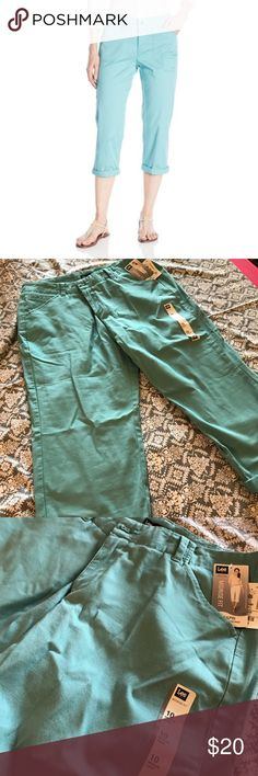 Lee Midrise Mint Green Capri Pants Cute bright color and super comfortable capri pants. Can be rolled up or left full length. Brand new with tags! Lee Pants Capris