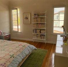 Room Design Bedroom, Room Ideas Bedroom, Bedroom Decor, Minimalist Room, Pretty Room, Aesthetic Room Decor, Cozy Room, Dream Rooms, My New Room