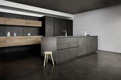 Eggersmann_beton_grijstinten zwart hout_01