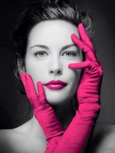 Looks like Liv Tyler. Probably is Liv Tyler. Original photo was red gloves. Liv Tyler, Steven Tyler, Color Splash, Color Pop, Red Color, Lip Colour, Elfa, Red Gloves, Orange Gloves