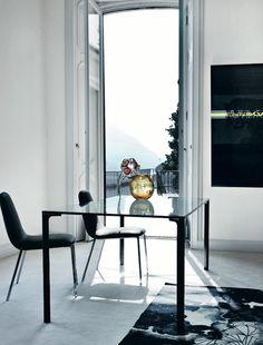 www.superstore.fr ■ Table Spillo de Zanotta par Damian Williamson ■