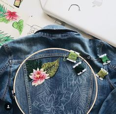 Online shopping from a great selection at Arts, Crafts & Sewing Store. Embroidery On Clothes, Embroidered Clothes, Embroidery Fashion, Hand Embroidery Designs, Beaded Embroidery, Look Boho Chic, Denim Art, Embroidered Denim Jacket, Diy Clothing