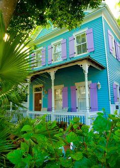 Key West Beach Cottage Style, Beach House Decor, Coastal Cottage, Style Key West, Exterior Colors, Exterior Paint, Purple Home, Pink Purple, Beach Cottages