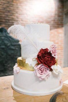 24 Perfectly Divine Wedding Cakes - MODwedding