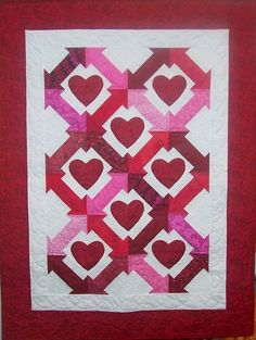 """Cupid's Arrow"" valentine quilt by Pamela Quilts at Etsy (Coos Bay, Oregon)"
