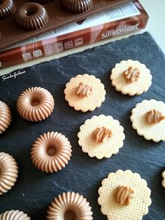 Siula Golosa: Cremino alla nocciola Biscoff Cheesecake, Cookout Food, Dessert Recipes, Baking Recipes, Cake Decorating Techniques, French Pastries, Mini Foods, Christmas Desserts, Mini Cakes