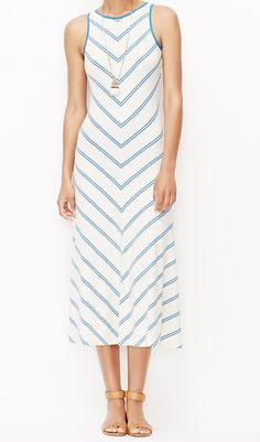 Ann Taylor's Chevron Stripe Midi Dress is the definition of effortless style. #dress #mididress #chevron #effortless