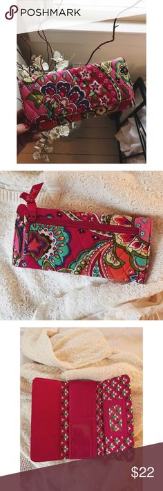 ••• SOLD. ••• • Vera Bradley Wallet • Pattern - Pink Swirls. • Production Date - June 2014 - August 2015. • So pretty & perfect for summer!  In good condition. Only used for a very short period of time. • 10% off when you bundle three items or more. • NO trades. • All items come from a non smoking household. • if you have any questions, feel free to ask! • Vera Bradley Bags Wallets