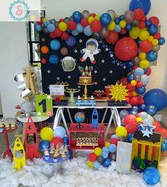 Que cute!!! Festa Astronauta por @senhoritasdecor 💓 💓 💓 💓 Regrann from @senhoritasdecor - O desafio era transformar a roupinha de…