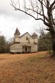 ANTIOCH BAPTIST CHURCH, Taliaferro County, GA. Front and right side. 01.17.2010