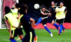 Futebol feminino dá início à Olimpíada com Brasil em campo