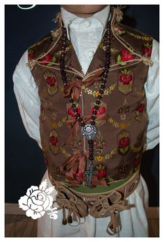 Vogue, Regional, Costumes, Folk Clothing, Embroidery, Ideas, Fashion, Templates, Vestidos