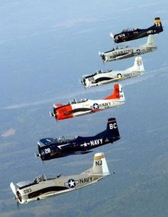 Awesome T-28 Trojan formation.