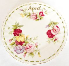 Nivag Collectables: Royal Albert - Flower of The Month Series: April Sweet Pea Tea Plate