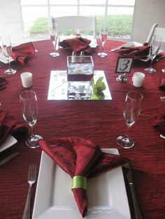if they want all burgundy do light blue vases or table runner