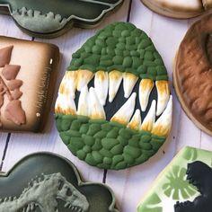 Jurassic World cookies. Dinosaur Cookies, Dinosaur Cake, Dinosaur Party, Dinosaur Birthday, 4th Birthday, Birthday Ideas, Cookies For Kids, Cute Cookies, Yummy Cookies