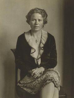 August Sander - Society Lady (Dame der Gesellschaft) [Miss Bausch, Cologne], 1930