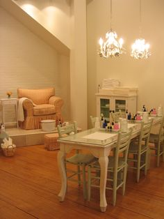 Nail Salons with Complimentary Cocktails: Sweet Lily Natural Nail Spa