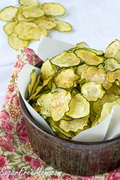 Salt & Vinegar Zucchini Chips, the perfect healthy chip for a party! #whoshungry