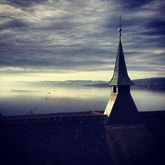 Looking out over Zürichsee // Blick über Zürichsee #swissspots #switzerland