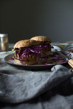 Blühendes Foodie: Smoky BBQ Veggie Burger von 'Minimalist Bakers tägliche Kochen'