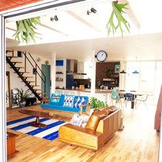 レザーソファ 個人のお宅です RonHarman/ロンハーマン風/西海岸インテリア/壁板貼り/吹抜け…などのインテリア実例 - 2015-03-06 04:05:30 | RoomClip(ルームクリップ)