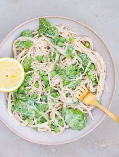 Creamy Pea & Spinach Pasta: A 10 Minute Meal - DeliciouslyElla