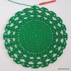 Crochet doily Step by step Tut Crochet Diy, Crochet Round, Crochet Home, Crochet Granny, Crochet Doilies, Doily Rug, Crochet Kitchen, Beautiful Crochet, Crochet Projects