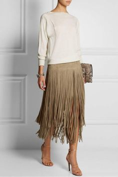 24 Fun Ways to Wear Fringe - Styles Weekly Fashion Mode, Look Fashion, Womens Fashion, Fashion Clothes, Fringe Styles, Jessica Parker, Suede Skirt, Tassel Skirt, Brown Skirts