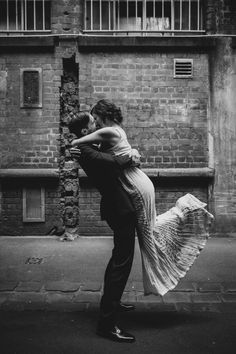 Love a Hollywood kiss! A vintage Melbourne wedding by Long Way Home Photography