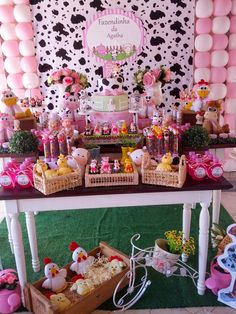 A senhora Eventos é uma empresa especializada em decoração de festas personalizadas. Tractor Birthday, Farm Birthday, Girl Birthday Themes, Birthday Parties, Rodeo Party, Baby Co, Farm Party, Baby Shower Parties, Twinkle Twinkle