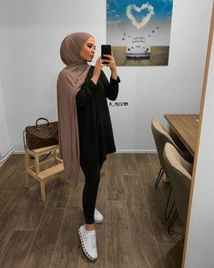 Source by vdouglascarroll outfits hijab Modest Fashion Hijab, Modern Hijab Fashion, Street Hijab Fashion, Casual Hijab Outfit, Hijab Fashion Inspiration, Islamic Fashion, Muslim Fashion, Fashion Mode, Casual Outfits