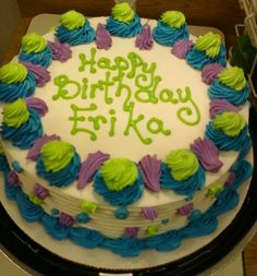 Dairy Queen Cake More Sheet Cake Designs, Cookie Cake Designs, Buttercream Cake Designs, Buttercream Cupcakes, Round Birthday Cakes, Round Cakes, Dairy Queen Cake, Patisserie Cake, Quick Cake