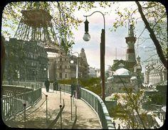 """La """"Rue de l'Avenir"""", Trottoir Roulant de l'Exposition Universelle de 1900. https://www.facebook.com/johndorbigny/photos/pcb.799815446771600/799809476772197/?type=1&theater"""