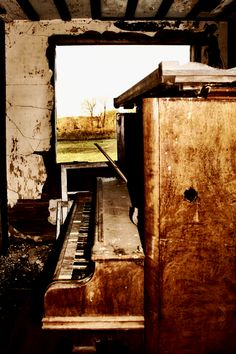I enjoy urban exploration, and I enjoy music. So here are the photos that show these things together - abandoned places, ruins, etc. music of abandoned places Abandoned Cities, Abandoned Houses, Old Houses, Piano, Lost Keys, Interesting Buildings, Far Away, Natural, Castle