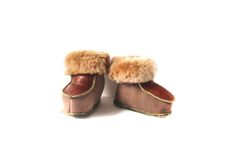 These traditional Polish mountain slippers have been keeping toes warm for a very long time. Acorn, Baby Shoes, Slippers, Sewing, Image, Dressmaking, Tassel, Couture, Baby Boy Shoes