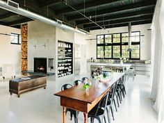 Designer Dunkle Deckengestaltung Im Esszimmer Shelves For Kitchen, Kitchen  Stools, Kitchen Dining, Industrial