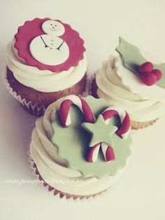 ❤cupcake shared by Lynn on We Heart It Pretty Cupcakes, Fun Cupcakes, Cupcakes Decorating, Decorating Ideas, Xmas Food, Christmas Baking, Christmas Carol, Christmas Tree, 3d Cakes