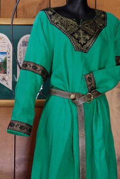 ss Green and Black Medieval Tunic Dress