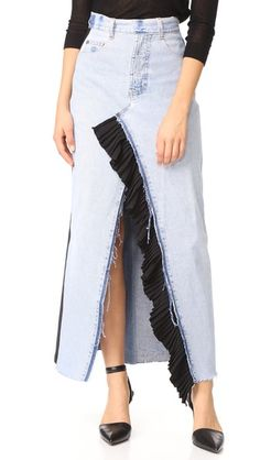 Ksenia Schnaider Reworked Denim Maxi Skirt In Blue Denim Fashion, Skirt Fashion, Jean Skirt, Denim Skirt, Pleated Skirt, Cut Up Jeans, Merian, Jeans Rock, Recycled Denim