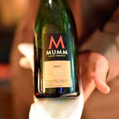 Espumante@ghmumm@hotelemiliano no #restauranteemilianoEm breve matéria completa no blog- - - - - - - -#emilianohotel #hotelemiliano#GHMumm #MUMM #champagne #celebration #mummplace #enjoyresponsibly#BjrLeBouquet #winery #wineporn #goodwine #wino #wein #ilovewine #lovewine #winenight #winedinner #wineanddine #foodandwine #sommelier #winetime #wineoclock #winelovers #instagood