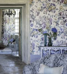 Interior Design Trend, Painterly Florals | Viola Wallpaper by Designers Guild | Jane Clayton