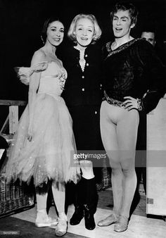 the-marriage-of-heaven-and-hell: Marlene Dietrich with dancers Margot Fonteyn and Rudolf Nureyev, 1965 Marlene Dietrich, Margot Fonteyn, Rudolf Nurejew, Ballet Russe, Dance Magazine, Male Ballet Dancers, Nureyev, Royal Ballet, Ballet Beautiful