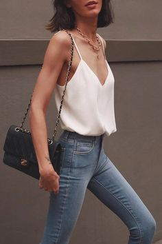 17 Simple Denim Outfits You Can Copy Now Simple and chic spring outfit jeans, blue skinny jeans with silk camisole and Chanel bag the Outfit Jeans, Outfit Chic, Denim Outfits, Mode Outfits, Chic Outfits, Spring Outfits, Fashion Outfits, Women's Jeans, Blue Skinny Jeans Outfit